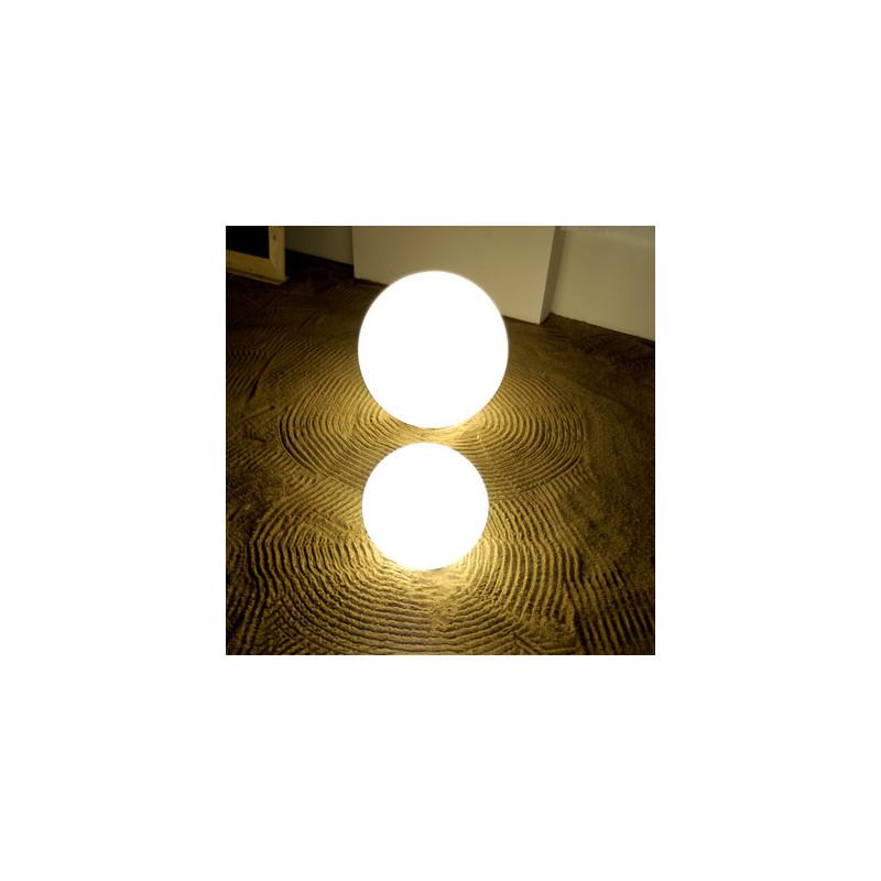 Lampe globe d 39 int rieur globo in slide design blanc - Lampe d interieur ...