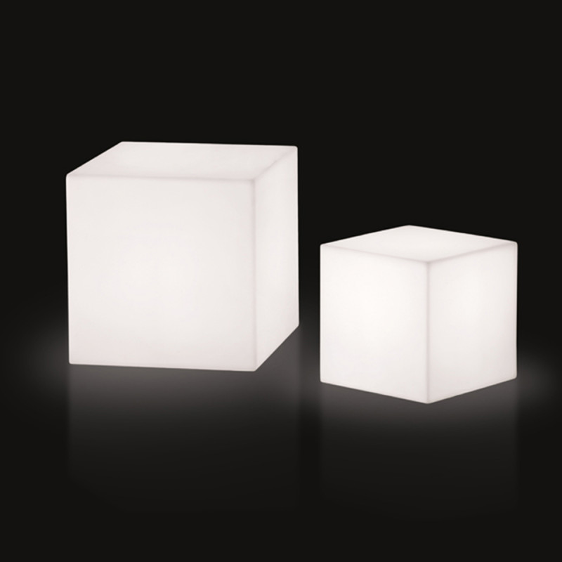 cube lumineux outdoor slide design blanc 20 cm cerise sur la deco. Black Bedroom Furniture Sets. Home Design Ideas