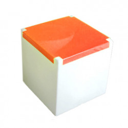 Table basse lumineuse Kubo, Slide Design cube blanc, plaque orange