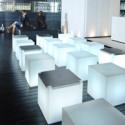 Table basse lumineuse Kubo, Slide Design cube blanc, plaque orange