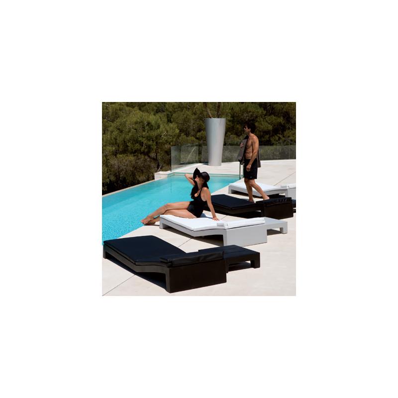 matelas pour chaise longue jut vondom blanc cerise sur la deco. Black Bedroom Furniture Sets. Home Design Ideas
