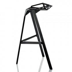 Lot de 2 tabourets hauts empilables Stool One, Magis noir Hauteur 84 cm