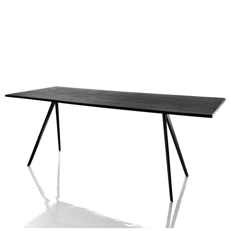 Baguette grande table manger design magis noir 160x85 for Grande table a manger design