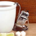 Infuseur à thé robot, Kikkerland acier gris