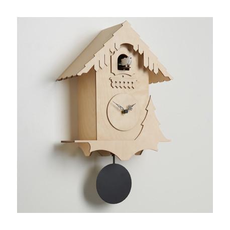 horloge coucou chalet diamantini domeniconi bois naturel noir cerise sur la deco. Black Bedroom Furniture Sets. Home Design Ideas