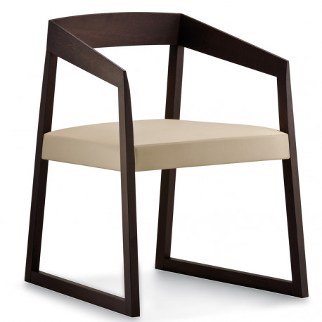 Sign 455 fauteuil en chêne teinté wengé, Pedrali, assise cuir beige