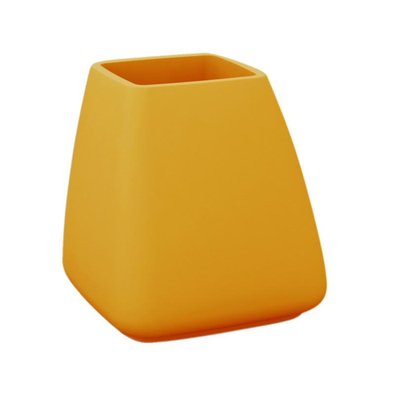 pot moma vondom orange hauteur 70 cm cerise sur la deco. Black Bedroom Furniture Sets. Home Design Ideas