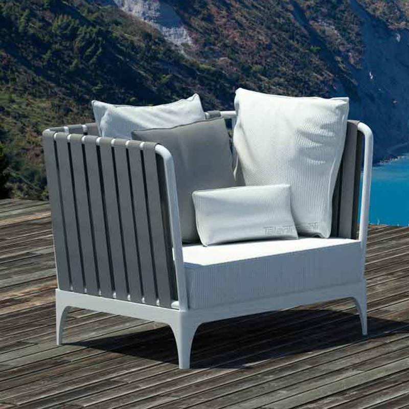 fauteuil stripe talenti blanc et gris cerise sur la deco. Black Bedroom Furniture Sets. Home Design Ideas