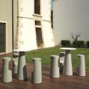Mange debout design Fura rond, Plust Collection base cendrée, plateau noir