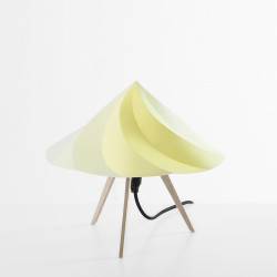 Petite Lampe Chantilly, Moustache jaune
