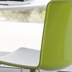 Chaise Tweet 897, Pedrali vert, blanc Pieds vernis