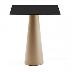 Mange debout design Fura carré, Plust Collection base sable, plateau noir
