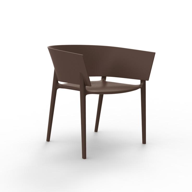 Chaise africa vondom bronze cerise sur la deco for Chaise pour bronzer