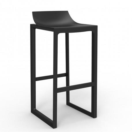 tabouret haut wall street vondom noir cerise sur la deco. Black Bedroom Furniture Sets. Home Design Ideas