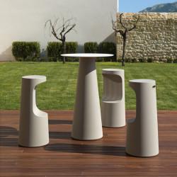 Mange debout design Fura rond, Plust Collection base sable, plateau blanc