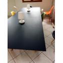 Arki, grande table 300x100 cm, plateau Fenix noir, piétement noir, Pedrali