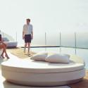 Bain de soleil rond design, Vela Daybed, dossier inclinable, coussin Silvertex blanc, Vondom