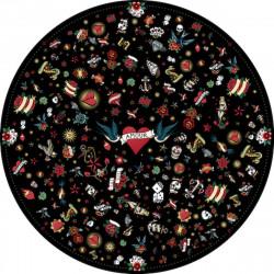 Tapis vinyle rond tatouage Love, noir, diamètre 145cm, collection Tattoo Compris, Pôdevache