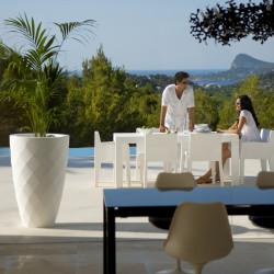 Pot Vases blanc laqué, avec réserve d'eau, Vondom, diamètre 65 cm x hauteur 100 cm
