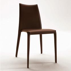 Chaise design Miss, Midj, entièrement recouverte de cuir, coloris café