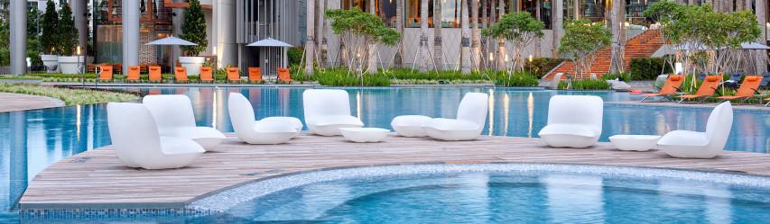 mobilier piscine cerise sur la deco. Black Bedroom Furniture Sets. Home Design Ideas